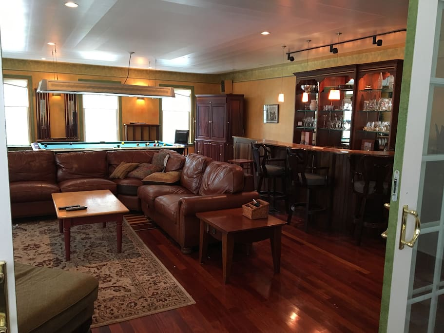 Family/Recreation Room with pool table,dart board and bar for all to enjoy