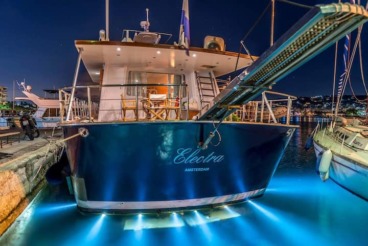 Live the Yacht Experience!!!
