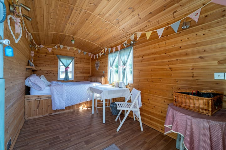 Lakeside Shepherd Huts