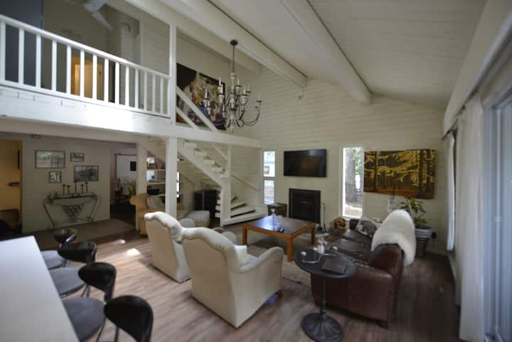 Spacious Chalet located in upscale Whistler Cay.