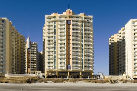 Ocean Boulevard NICE 2 BR Ocean Front Sleep 8 - 北默特尔海滩(North Myrtle Beach)