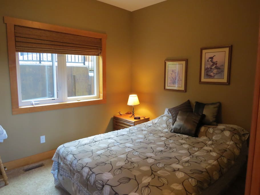 Private Room with Queen Bed