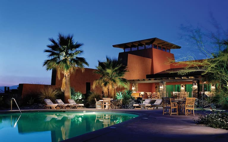 Stagecoach Luxury Resort Accommodations Sleeps 4