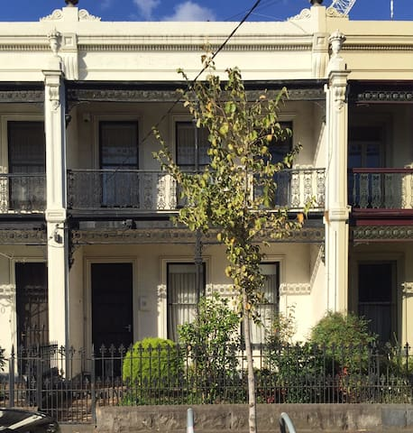 Large renovated Period family home in Fitzroy - ฟิทซ์รอย - บ้าน