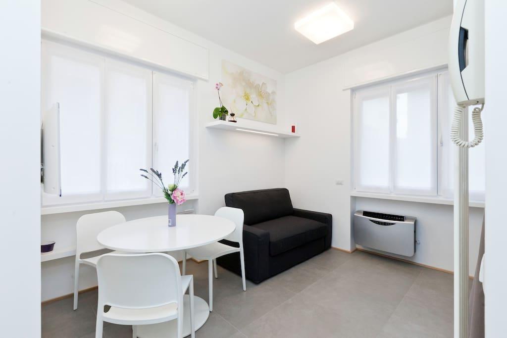 wonderful studio in milan downtown condos zur miete in mailand lombardei italien. Black Bedroom Furniture Sets. Home Design Ideas