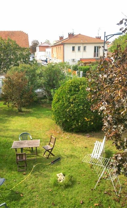 Maison d 39 artistes avec grand jardin huizen te huur in toulouse midi pyrenees frankrijk - Le petit jardin madison ga toulouse ...