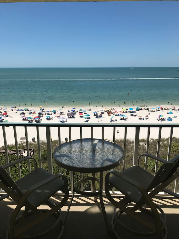 Renovated Beachfront Condo, Best Views on Marco Island!!