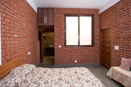 Spacious Room in Beautiful Rustic House in Udaipur
