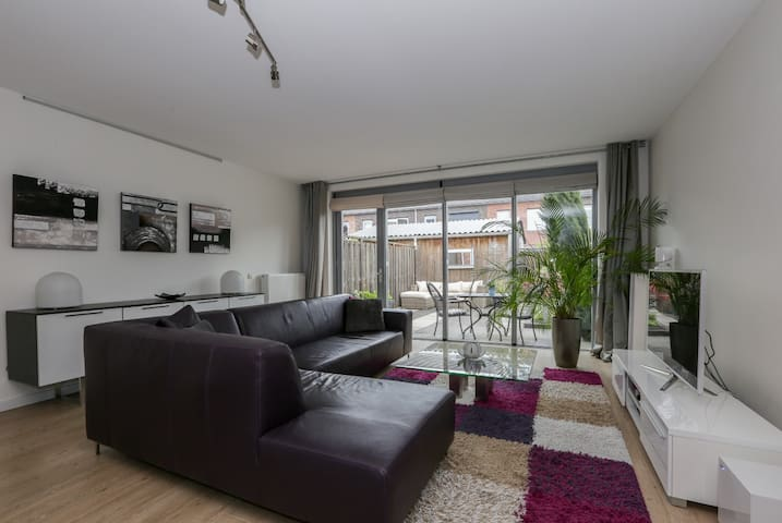 NEW! Modern and spacious house nearby Amsterdam