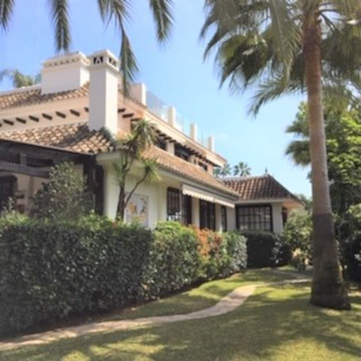 Luxury  Marbella Villa with 2 separated bungalows