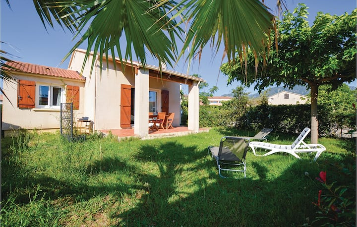Stunning home in Cervione with WiFi, Outdoor swimming pool and 2 Bedrooms
