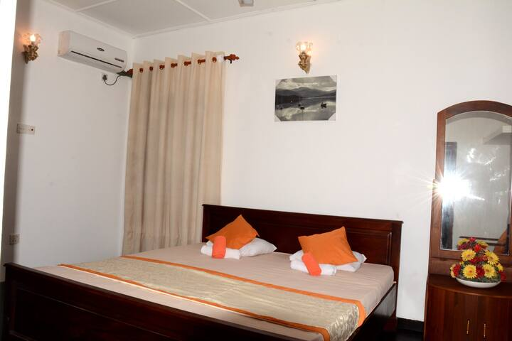 Sea view,  Low Budget ROOM !! - Hikkaduwa - Villa