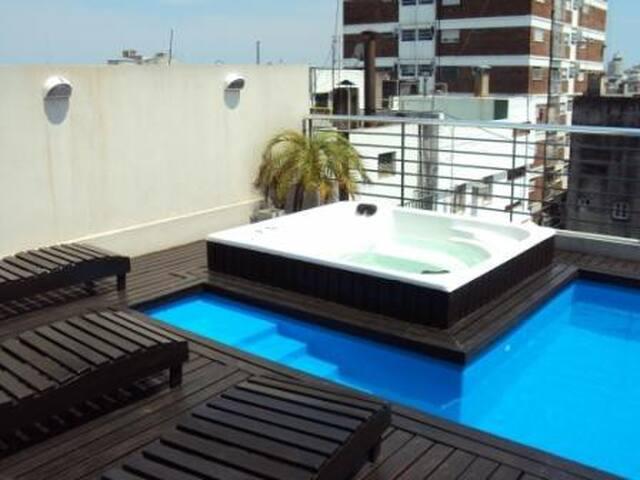 Amplio Loft con piscina y garaje privado