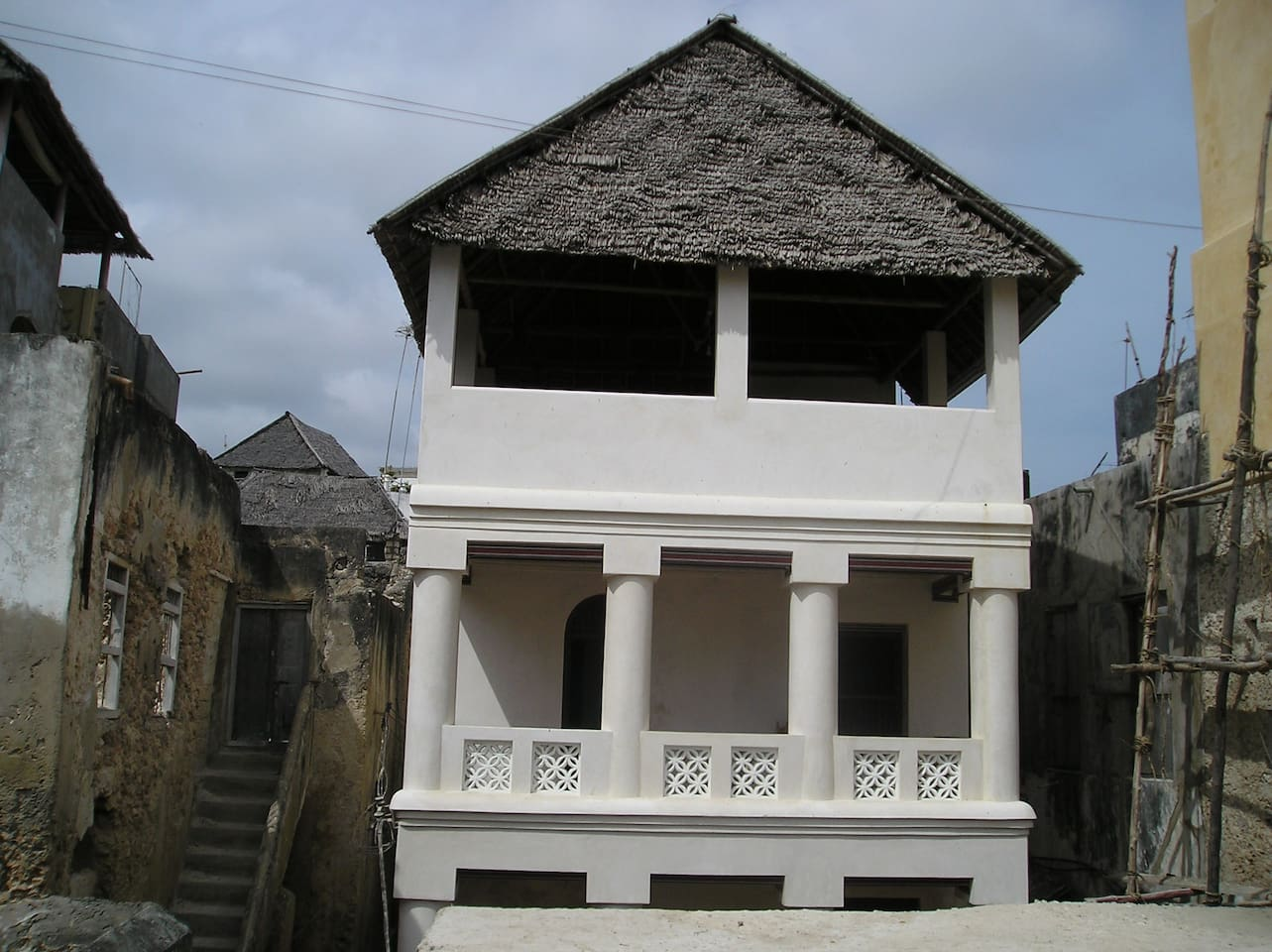 Queenhouse is in the centre of Lamu Town, near the harbour