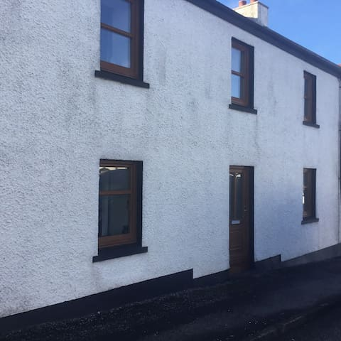 Top Flat 90 Main Street Bowmore Isle Of Islay