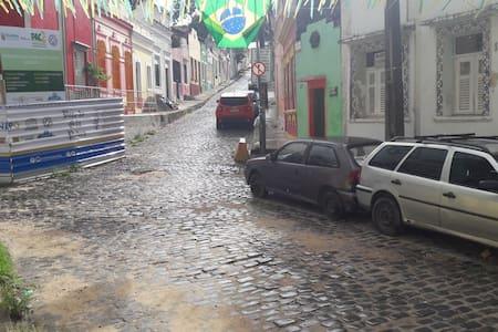 Sua casa no sítio histórico de Olinda é aqui!!
