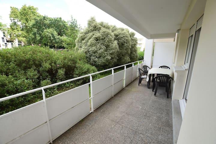 Appartement calme avec terrasse - Bordeaux - Lejlighed