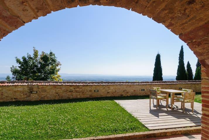 Luxurious Borgo Santo Pietro - Montefollonico, Torrita di Siena - Pis