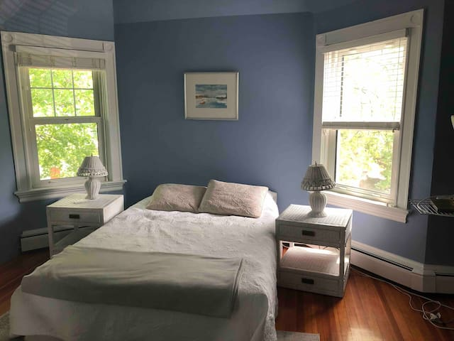 2 Rooms in Historic College Hill Home