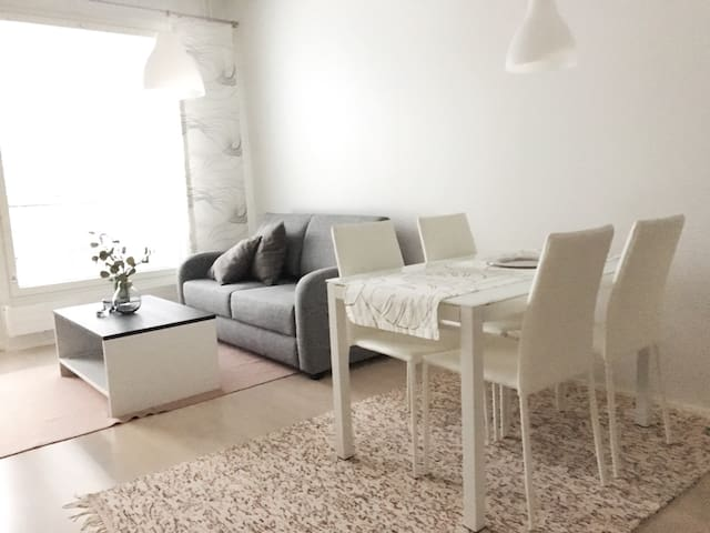 Near Airport - 1 BR apartment w/ sauna and balcony