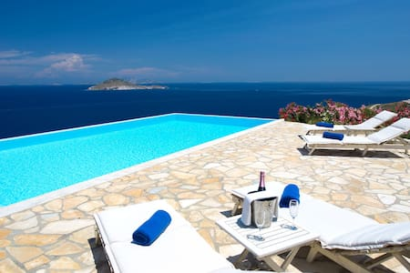 Sea View Villa in Patmos with pool
