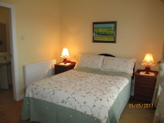 O'Neill's in the Burren Double Room