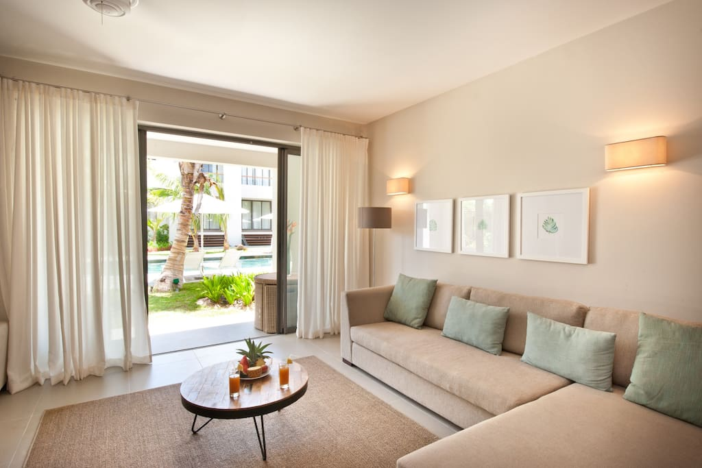 Fully furnished & comfortable lounge leading out onto veranda