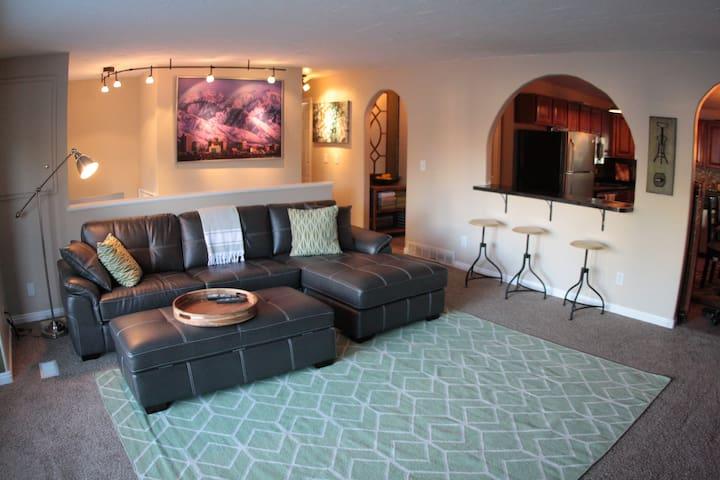 Huge 2br King Beds Great Location! - South Salt Lake