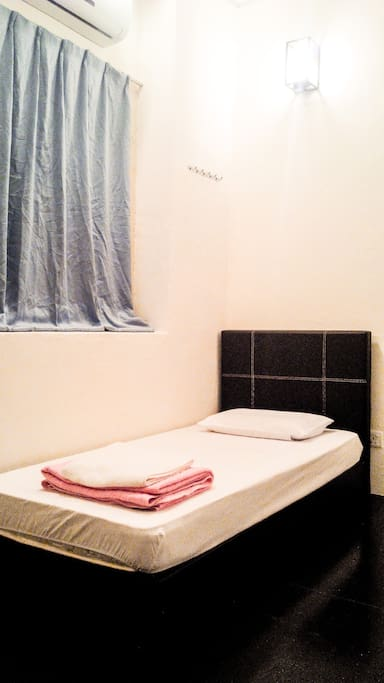 Homie Delights Baba Room. Accommodates 2-4 person with Air-cond.
