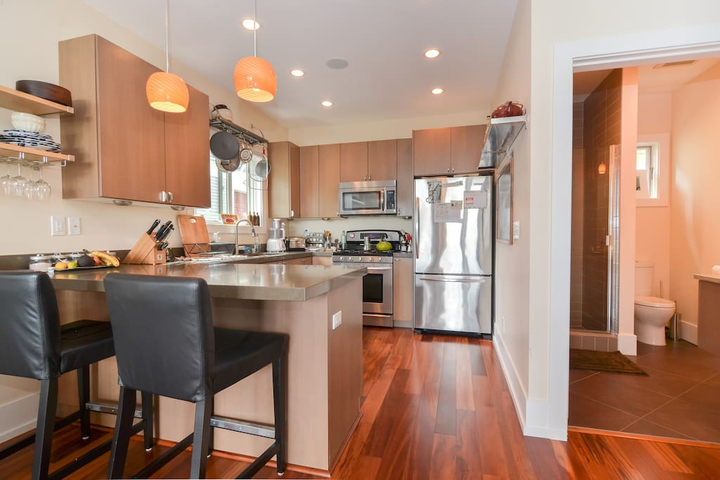 open kitchen, dining counter