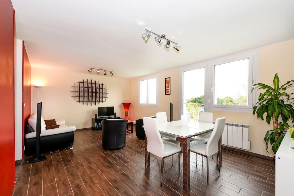 appartement de charme pr s bordeaux appartements louer villenave d 39 ornon aquitaine france. Black Bedroom Furniture Sets. Home Design Ideas