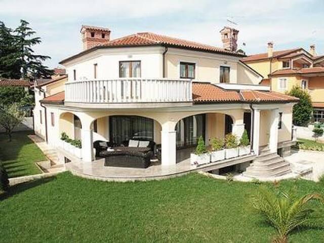 Villa Teuta - Umag - Byt