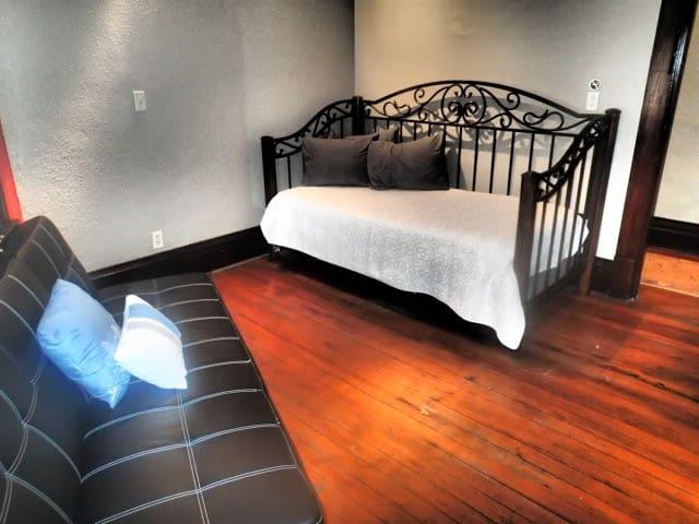 FlatIron Inn Guest Room 6