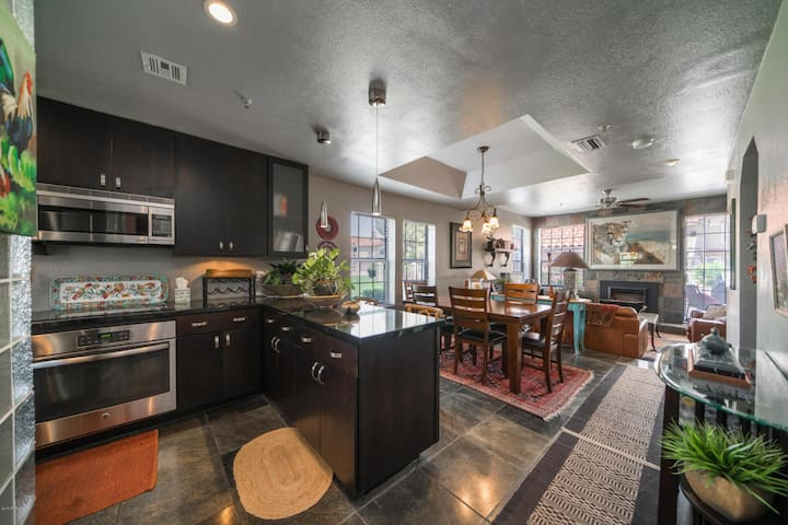 Summer only Wonderful home walkable location