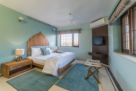 Roheda - Palatial views & great design