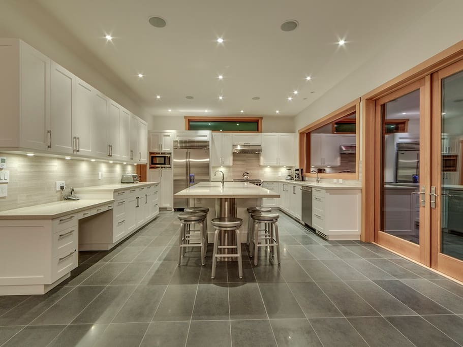 Magnificent kitchen with all chef needs and high end appliances