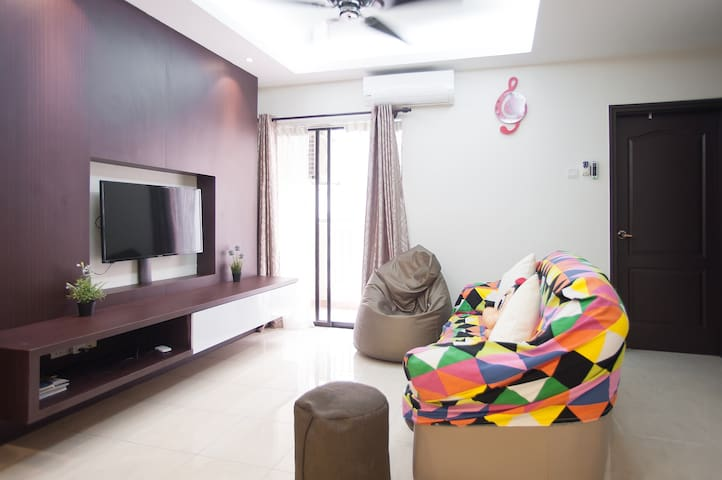 NEW! 3BR at One Utama with JACUZZI POOL & WIFI - Petaling Jaya - Wohnung