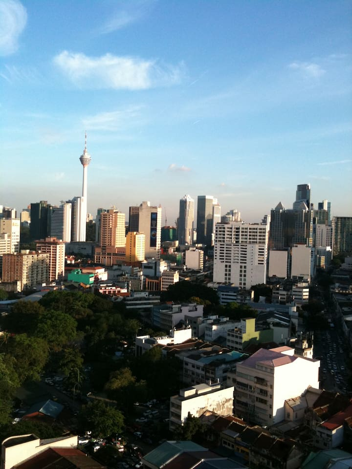 Near to train station. Beautiful KL Tower view outside my home.
