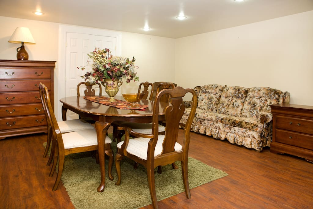 Dining Room with Queen Size Pull Out Sleeper Sofa