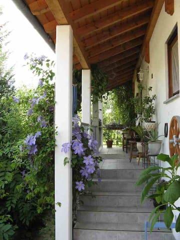 Ferienwohnung mit 2 Schlafzimmern - Eutingen im Gäu - Wohnung