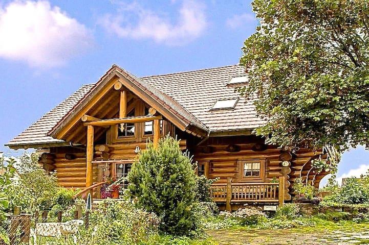Gemütlichkeit im Holzblockhaus - Großerlach - Dom