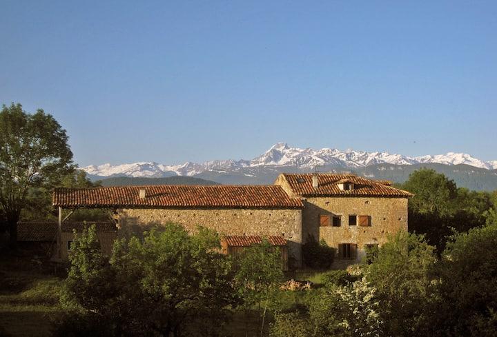 Farmhouse***, amazing view Pyrenees