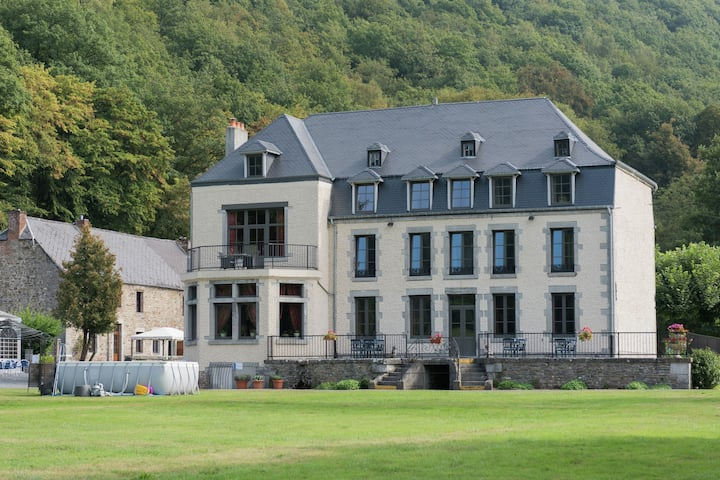 An Annex on the estate of a 17th century castle
