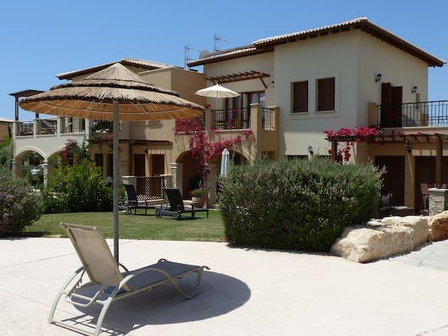 1 Bed Luxury poolside aptment BF11 Aphrodite Hills
