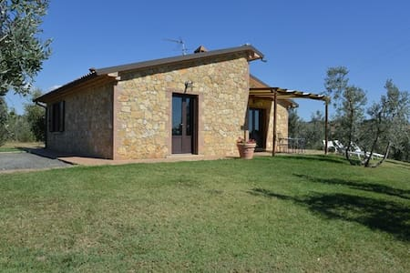 Casale Marittimo, villa, vista mare - Casale Marittimo - Villa