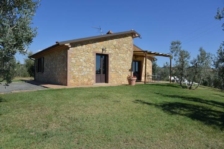 Villa indipendente di 100 mq, vista mare, 7 pax