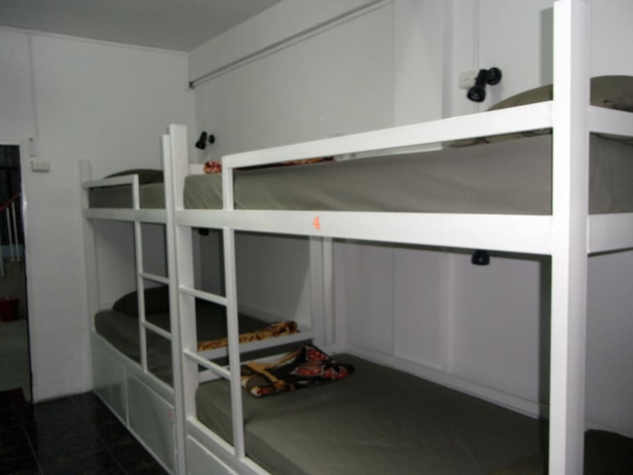 10 bed dorm, very big room, having 5 bunk beds, free wi-fi, lockers, linen etc.