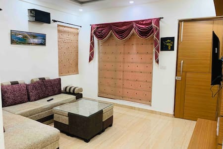 Luxurious Stay with Modern Amenities | Delhi NCR