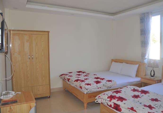 Superior Quadruple Room C - Hoang Nguyen Hotel