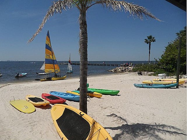 Beach Resort LittleHarbor-Tampa, FL - Ruskin